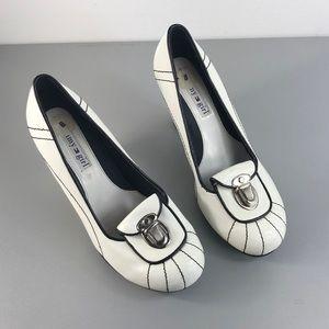 Tommy Hilfiger Shoes - Tommy Girl Vintage Athletic Pumps Heels Sz 8 VTG